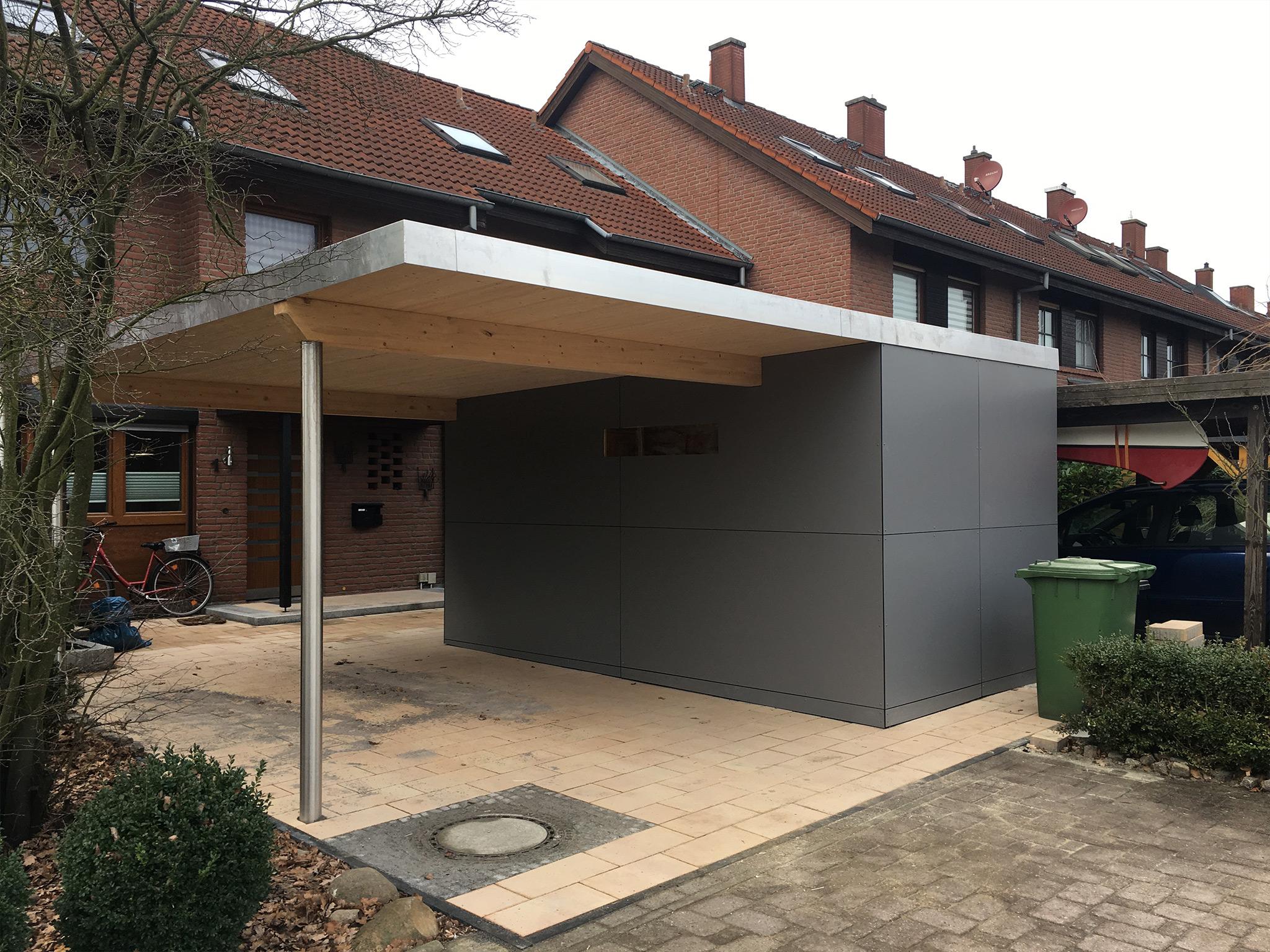 Einzel Carport mit Geräteraum und HPL-Wänden